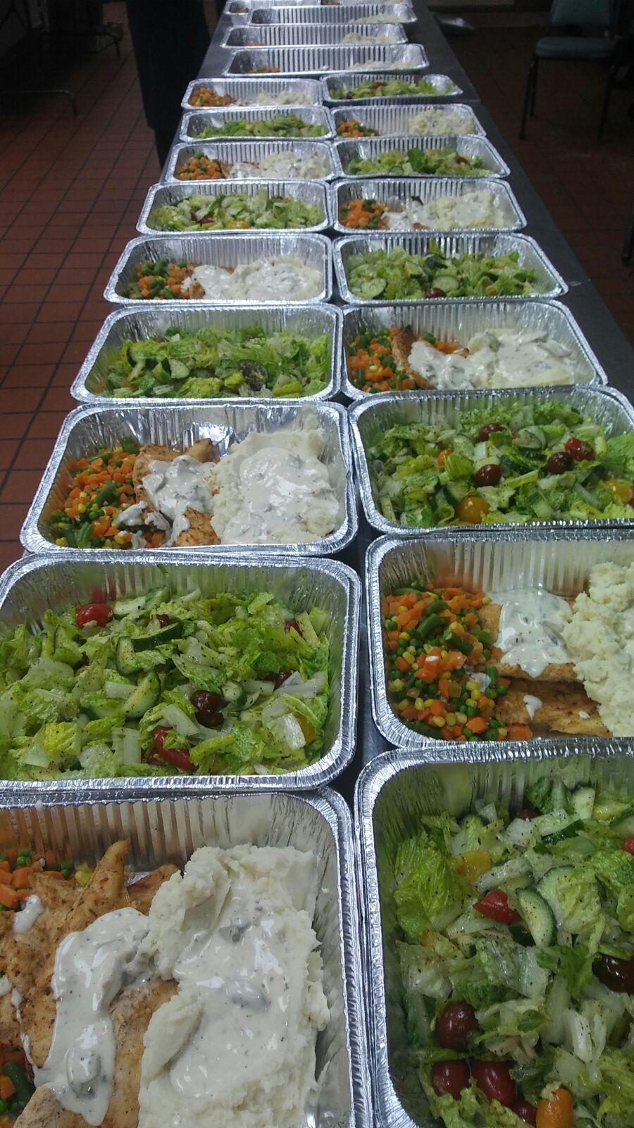 c-asist-refugees-meals-3